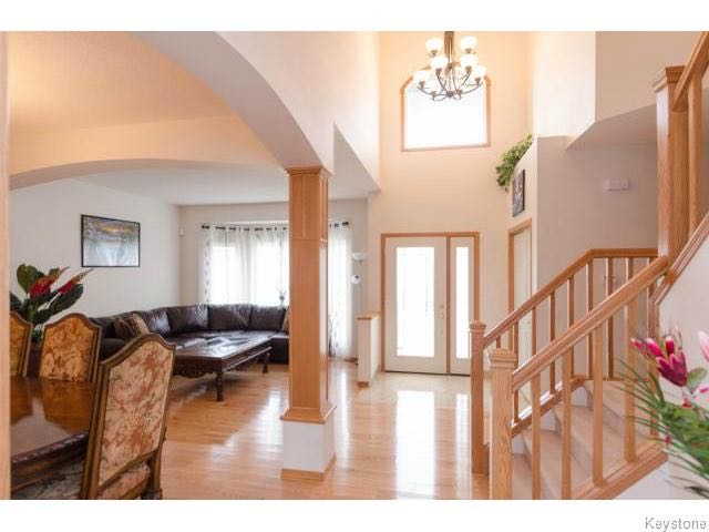 Photo 18: 72 Caribou Crescent in Winnipeg: South Pointe Single Family Detached for sale ()  : MLS® # 1609419