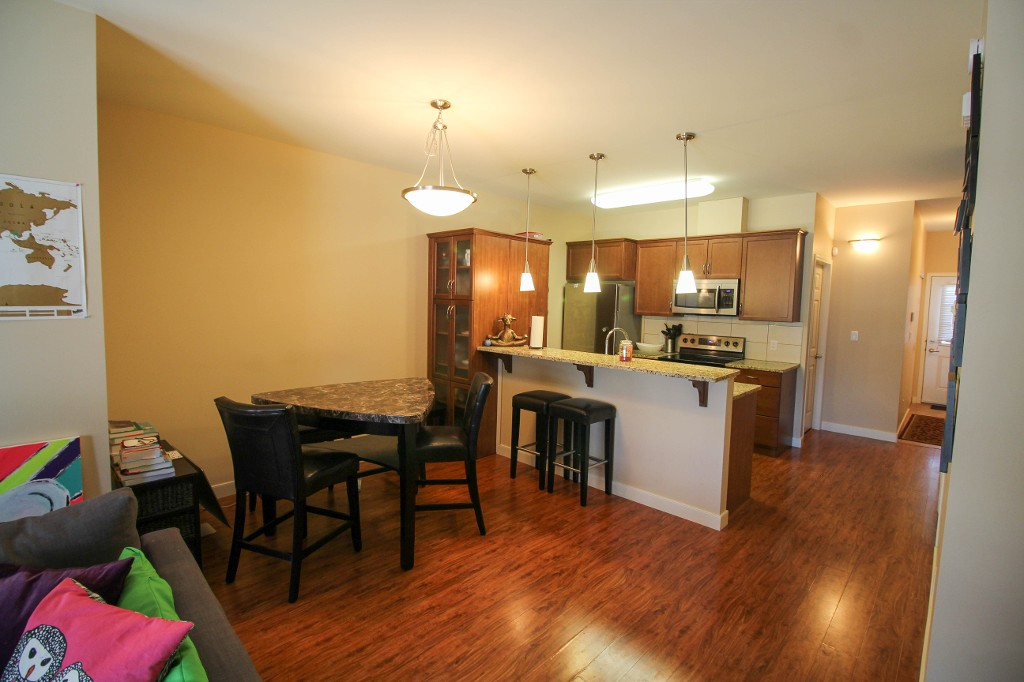 Photo 7: 17 725 Kingsway Avenue in Winnipeg: River Heights / Tuxedo / Linden Woods Townhouse for sale (Central Winnipeg)  : MLS(r) # 1610101