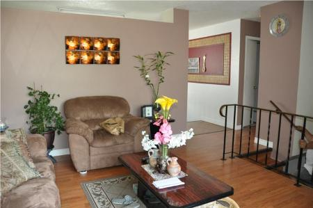 Photo 2: 278 MAPLEGLEN DR in Winnipeg: Residential for sale (Canada)  : MLS(r) # 1012767