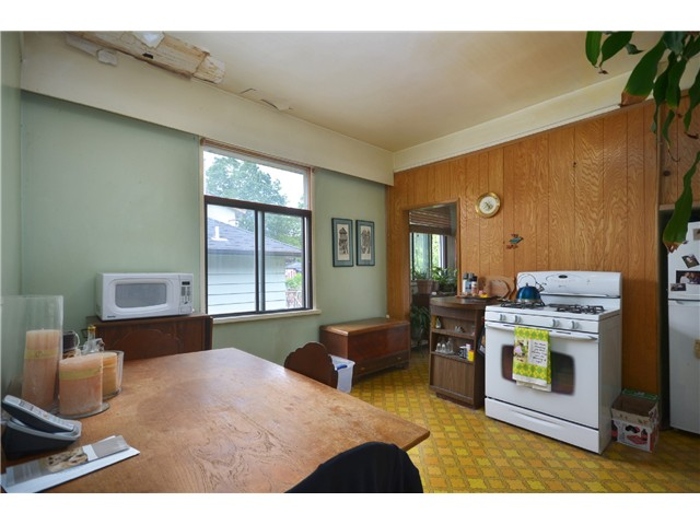 "Photo 5: 1948 TEMPLETON Drive in Vancouver: Grandview VE House for sale in ""Commercial Drive"" (Vancouver East)  : MLS(r) # V1013268"