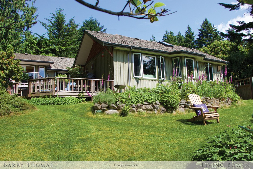 Main Photo: 1243 Miller Road in Bowen Island: Millers Landing House for sale : MLS® # V1126223