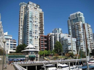 Main Photo: 1701 1000 BEACH AVENUE in Vancouver: Yaletown Condo for sale (Vancouver West)  : MLS® # R2108437