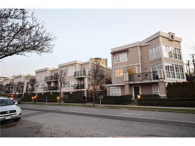 "Main Photo: 652 W 7TH Avenue in Vancouver: Fairview VW Condo for sale in ""LIBERTE"" (Vancouver West)  : MLS®# V929345"