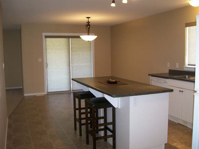 Photo 4: 1760 COPPERHEAD DRIVE in Kamloops: Pineview Valley Residential Detached for sale : MLS(r) # 111008