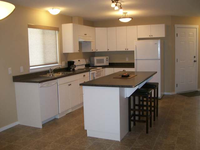 Photo 2: 1760 COPPERHEAD DRIVE in Kamloops: Pineview Valley Residential Detached for sale : MLS(r) # 111008