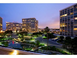 Main Photo: CORONADO SHORES Condo for sale : 2 bedrooms : 1780 Avenida Del Mundo #402 in Coronado