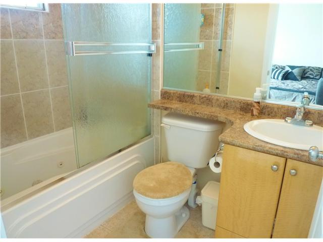 Photo 7: # 5 1222 CAMERON ST in : Uptown NW Townhouse for sale : MLS(r) # V911774