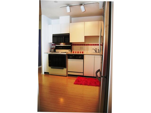 "Photo 9: # 405 98 10TH ST in New Westminster: Downtown NW Condo for sale in ""PLAZA POINTE"" : MLS(r) # V1002763"