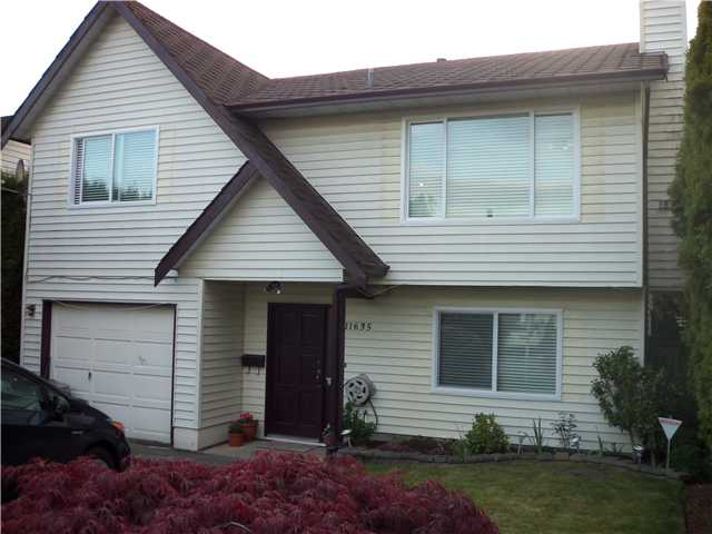 FEATURED LISTING: 11635 WARESLEY Street Maple Ridge