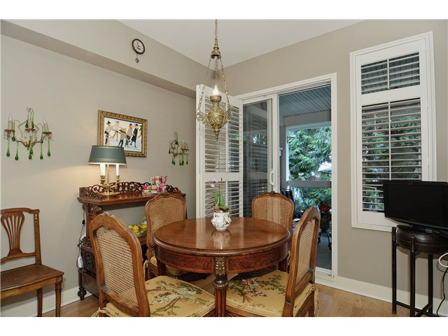 "Photo 5: 215 3188 W 41ST Avenue in Vancouver: Kerrisdale Condo for sale in ""LANESBOROUGH"" (Vancouver West)  : MLS® # V1027530"