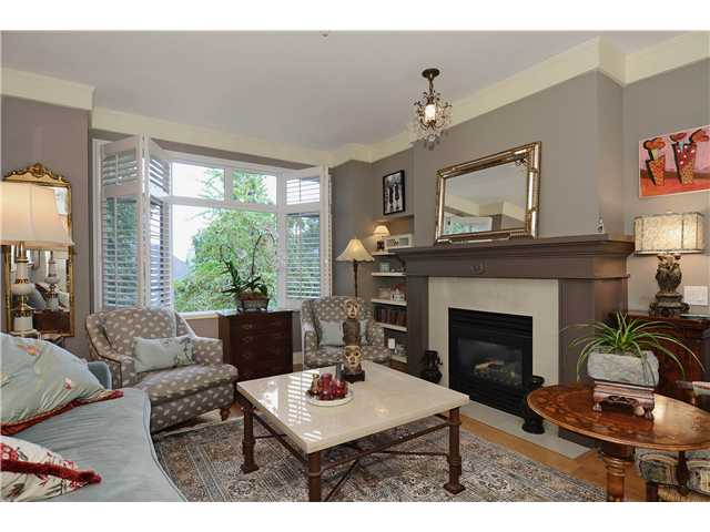 "Main Photo: 215 3188 W 41ST Avenue in Vancouver: Kerrisdale Condo for sale in ""LANESBOROUGH"" (Vancouver West)  : MLS® # V1027530"