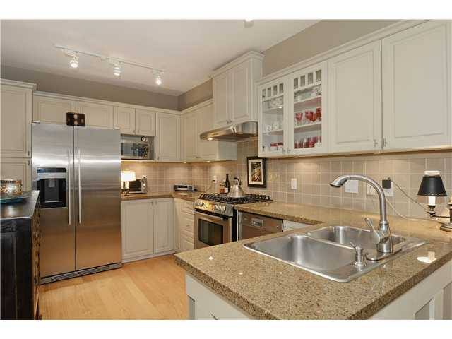 "Photo 4: 215 3188 W 41ST Avenue in Vancouver: Kerrisdale Condo for sale in ""LANESBOROUGH"" (Vancouver West)  : MLS® # V1027530"