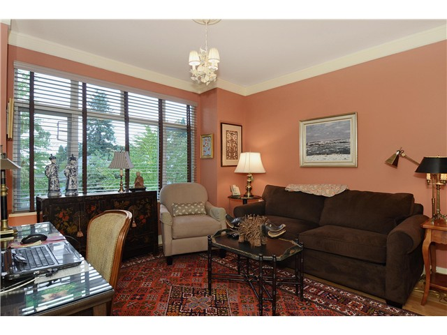 "Photo 8: 215 3188 W 41ST Avenue in Vancouver: Kerrisdale Condo for sale in ""LANESBOROUGH"" (Vancouver West)  : MLS® # V1027530"