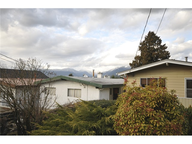 Photo 9: 3490 CAMBRIDGE ST in Vancouver: Hastings East House for sale (Vancouver East)  : MLS(r) # V1056008