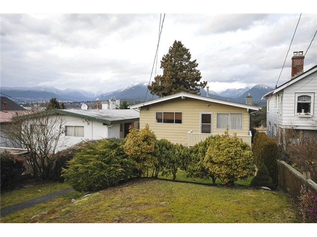 Photo 11: 3490 CAMBRIDGE ST in Vancouver: Hastings East House for sale (Vancouver East)  : MLS(r) # V1056008