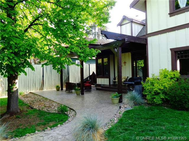 Main Photo: 2137 pandosy Street in Kelowna: kelowna south House for sale (central okanagan)  : MLS® # 10081965