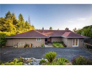 Main Photo: 4110 Burkehill Rd in West Vancouver: Bayridge House for sale : MLS® # V1096090