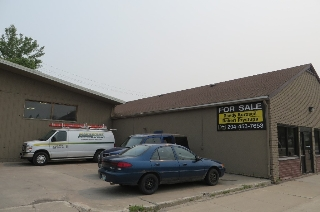 Main Photo: 1975 Logan Avenue in Winnipeg: Industrial / Commercial / Investment for sale (Central Winnipeg)