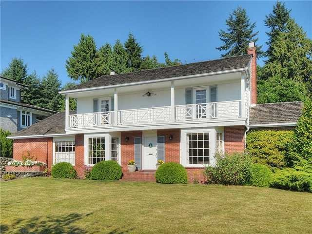 Main Photo: 2050 Westdean Cr in West Vancouver: Ambleside House for sale : MLS®# V1140072