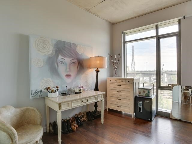 Photo 8: 70 Distillery Lane Unit #417 in Toronto: Waterfront Communities C8 Condo for sale (Toronto C08)  : MLS(r) # C3540794