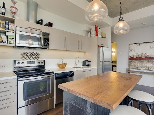 Photo 14: 70 Distillery Lane Unit #417 in Toronto: Waterfront Communities C8 Condo for sale (Toronto C08)  : MLS(r) # C3540794