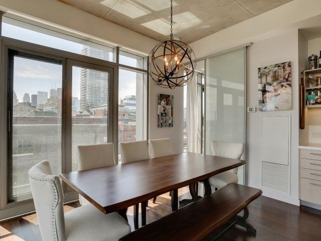 Photo 2: 70 Distillery Lane Unit #417 in Toronto: Waterfront Communities C8 Condo for sale (Toronto C08)  : MLS(r) # C3540794