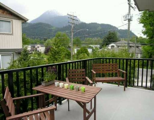 "Photo 8: 25 39760 GOVERNMENT RD: Brackendale Townhouse for sale in ""ARBOURWOODS"" (Squamish)  : MLS® # V577465"
