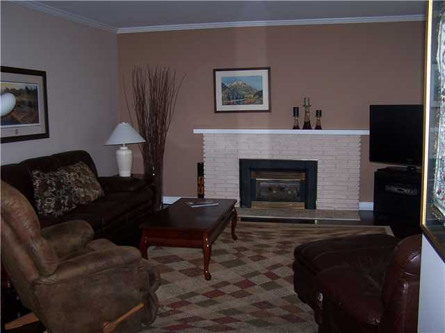 Photo 2: 8611 PIGOTT Road in Richmond: Saunders House for sale : MLS® # V946287
