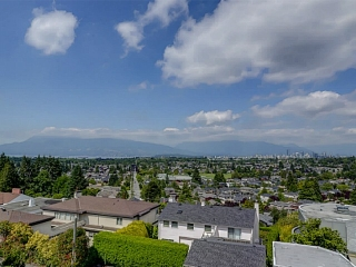 Main Photo: 2701 W 30TH AV in Vancouver: MacKenzie Heights House for sale (Vancouver West)  : MLS®# V1102552