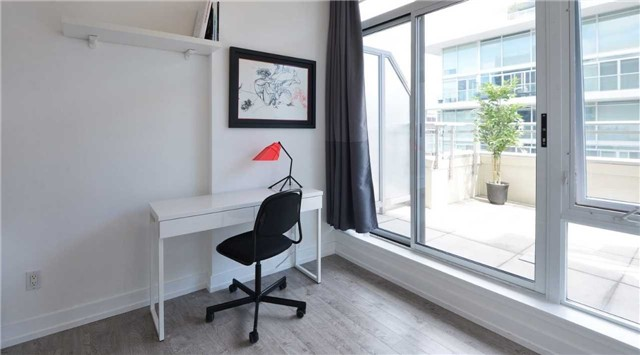 Photo 3: 66 Portland St Unit #701 in Toronto: Waterfront Communities C1 Condo for sale (Toronto C01)  : MLS(r) # C3502834