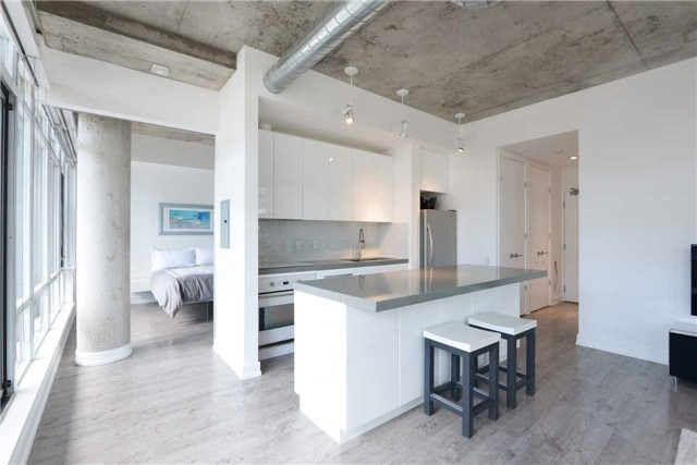Photo 17: 66 Portland St Unit #701 in Toronto: Waterfront Communities C1 Condo for sale (Toronto C01)  : MLS(r) # C3502834