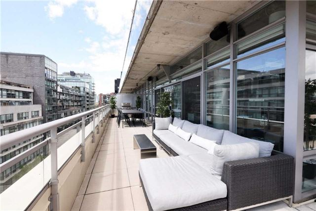 Photo 5: 66 Portland St Unit #701 in Toronto: Waterfront Communities C1 Condo for sale (Toronto C01)  : MLS(r) # C3502834