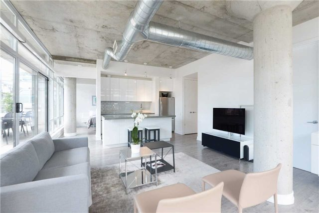 Photo 14: 66 Portland St Unit #701 in Toronto: Waterfront Communities C1 Condo for sale (Toronto C01)  : MLS(r) # C3502834