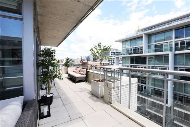 Photo 6: 66 Portland St Unit #701 in Toronto: Waterfront Communities C1 Condo for sale (Toronto C01)  : MLS(r) # C3502834