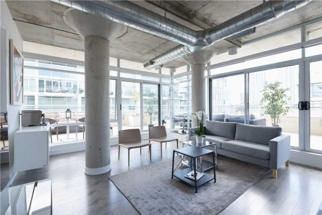 Main Photo: 66 Portland St Unit #701 in Toronto: Waterfront Communities C1 Condo for sale (Toronto C01)  : MLS(r) # C3502834
