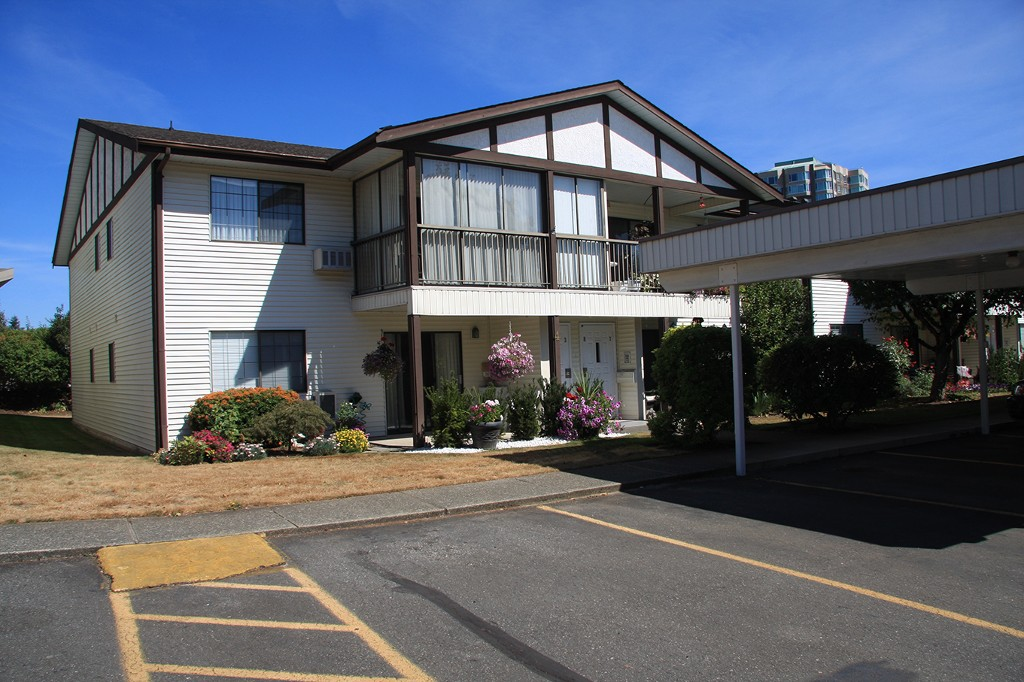 Main Photo: 4-32718 Garibaldi Drive in Abbotsford: Abbotsford West Townhouse for sale : MLS® # R2102543