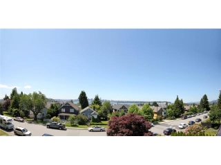 Main Photo: 232 - 234 W 5TH Street in North Vancouver: Lower Lonsdale House Duplex for sale : MLS(r) # V1008482