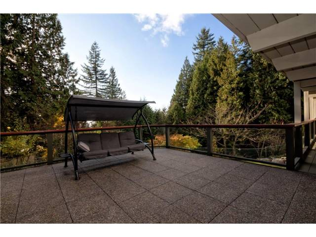 Photo 16: 333 WELLINGTON DR in North Vancouver: Upper Lonsdale House for sale : MLS® # V1036216