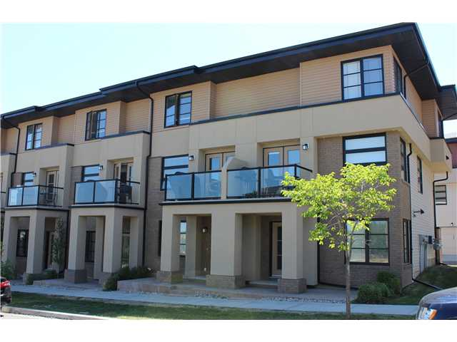 Main Photo: 11 ASPEN HILLS Green SW in CALGARY: Aspen Woods Townhouse for sale (Calgary)  : MLS® # C3629081