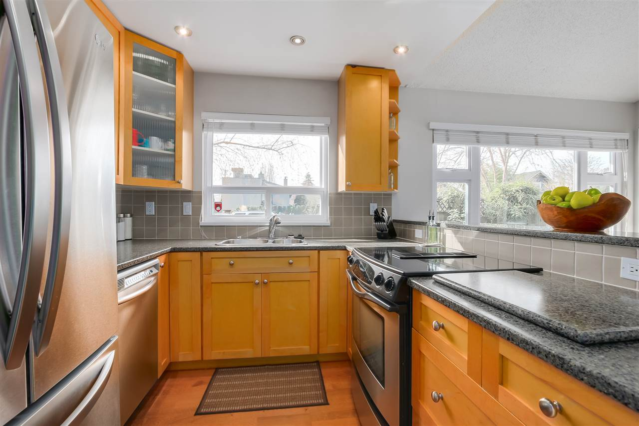 Photo 10: 1380 MAPLE STREET in Vancouver: Kitsilano Townhouse for sale (Vancouver West)  : MLS® # R2049396