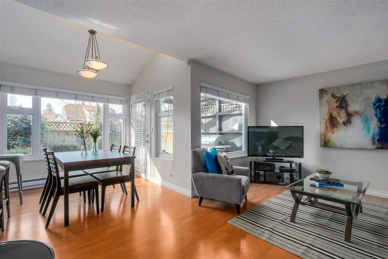 Photo 4: 1380 MAPLE STREET in Vancouver: Kitsilano Townhouse for sale (Vancouver West)  : MLS® # R2049396
