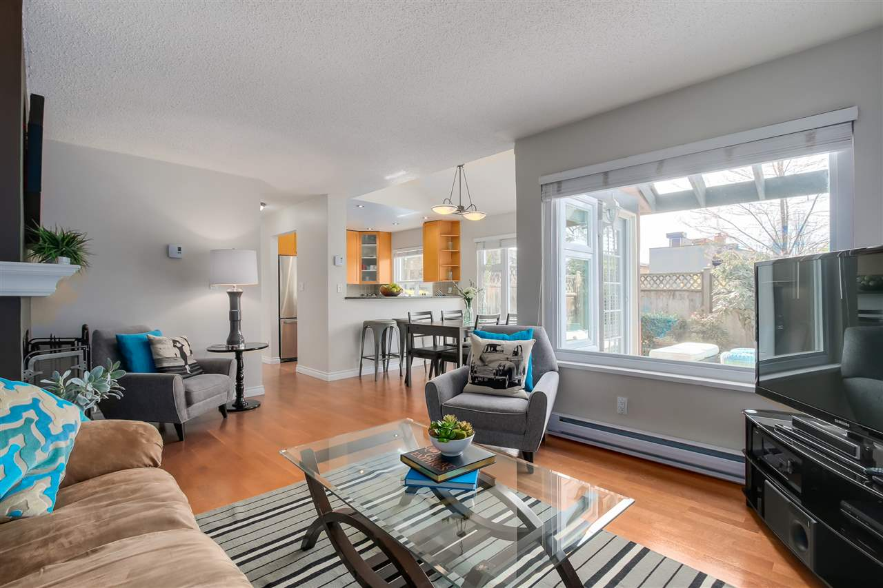 Photo 5: 1380 MAPLE STREET in Vancouver: Kitsilano Townhouse for sale (Vancouver West)  : MLS® # R2049396