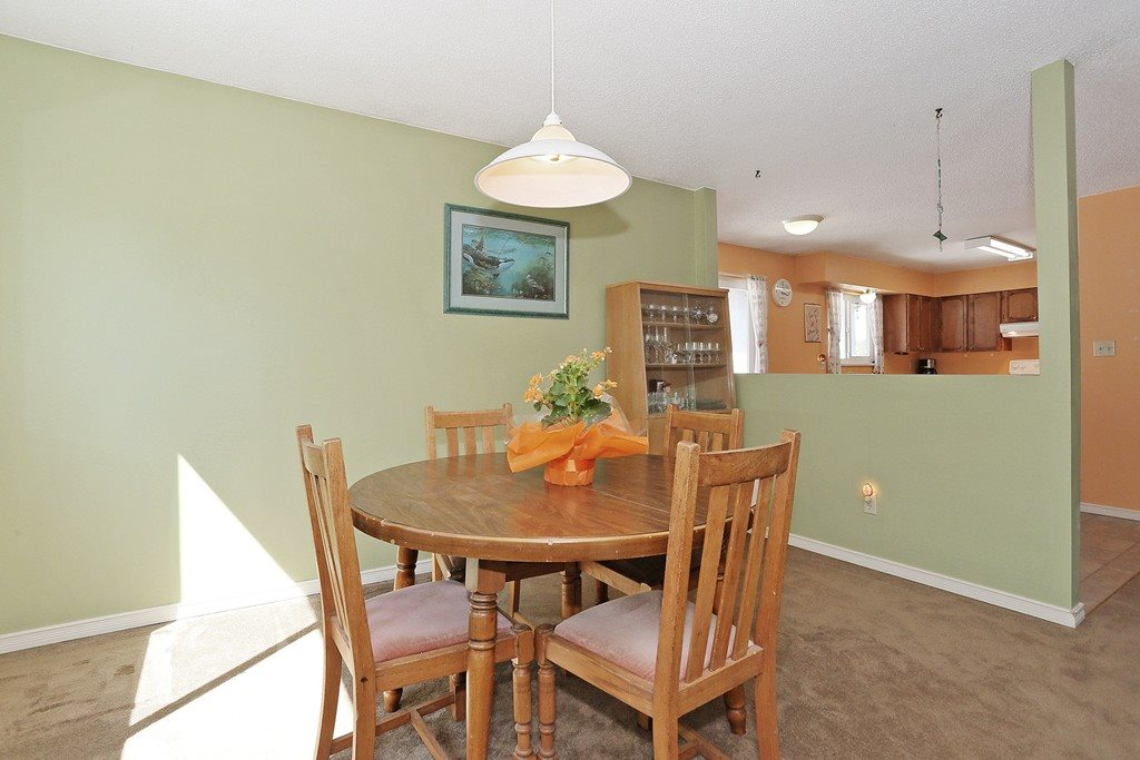 Photo 7: 2421 WAYBURN CRESCENT in Langley: Willoughby Heights House for sale : MLS® # R2069614