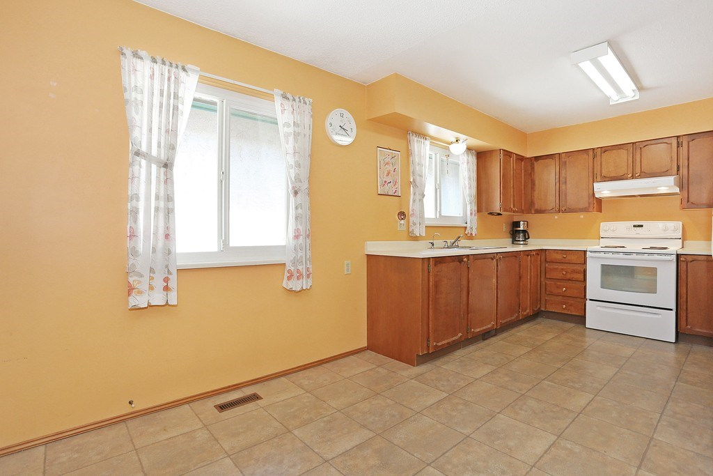 Photo 8: 2421 WAYBURN CRESCENT in Langley: Willoughby Heights House for sale : MLS(r) # R2069614