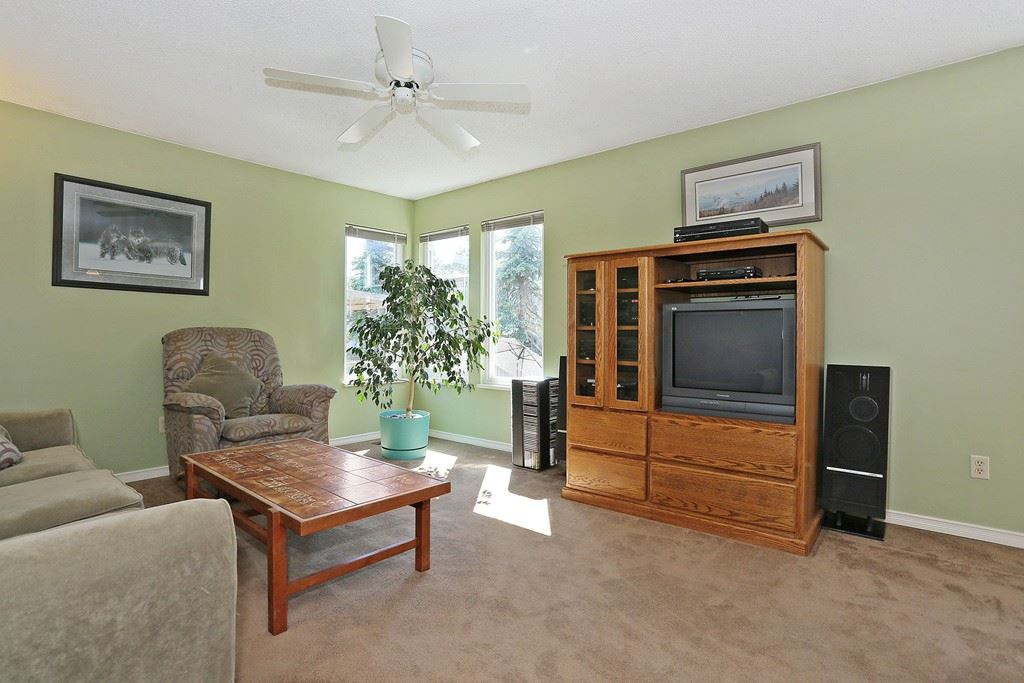 Photo 4: 2421 WAYBURN CRESCENT in Langley: Willoughby Heights House for sale : MLS(r) # R2069614