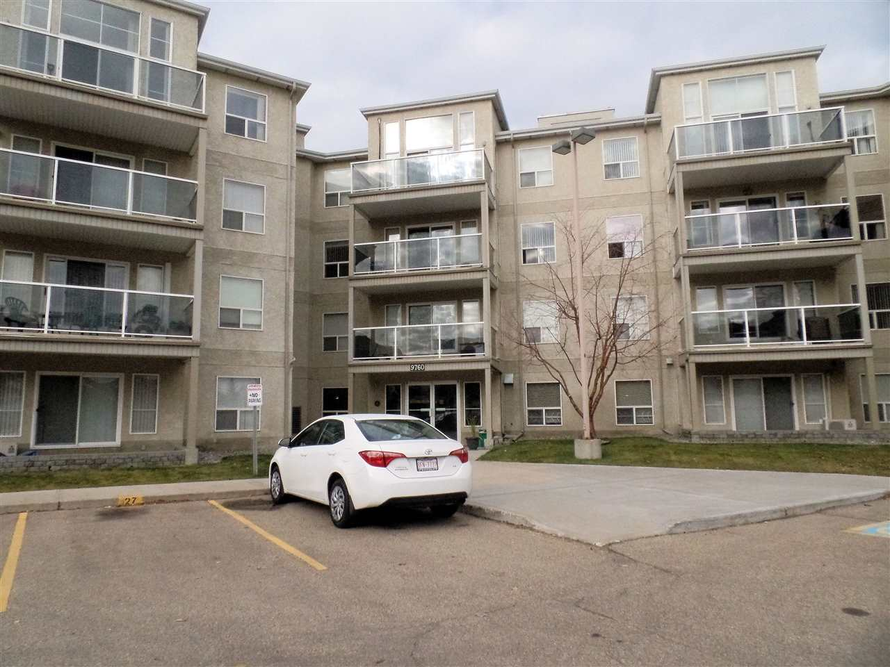 Main Photo: #210 9760 174 ST NW in Edmonton: Zone 20 Condo for sale : MLS® # E4042458