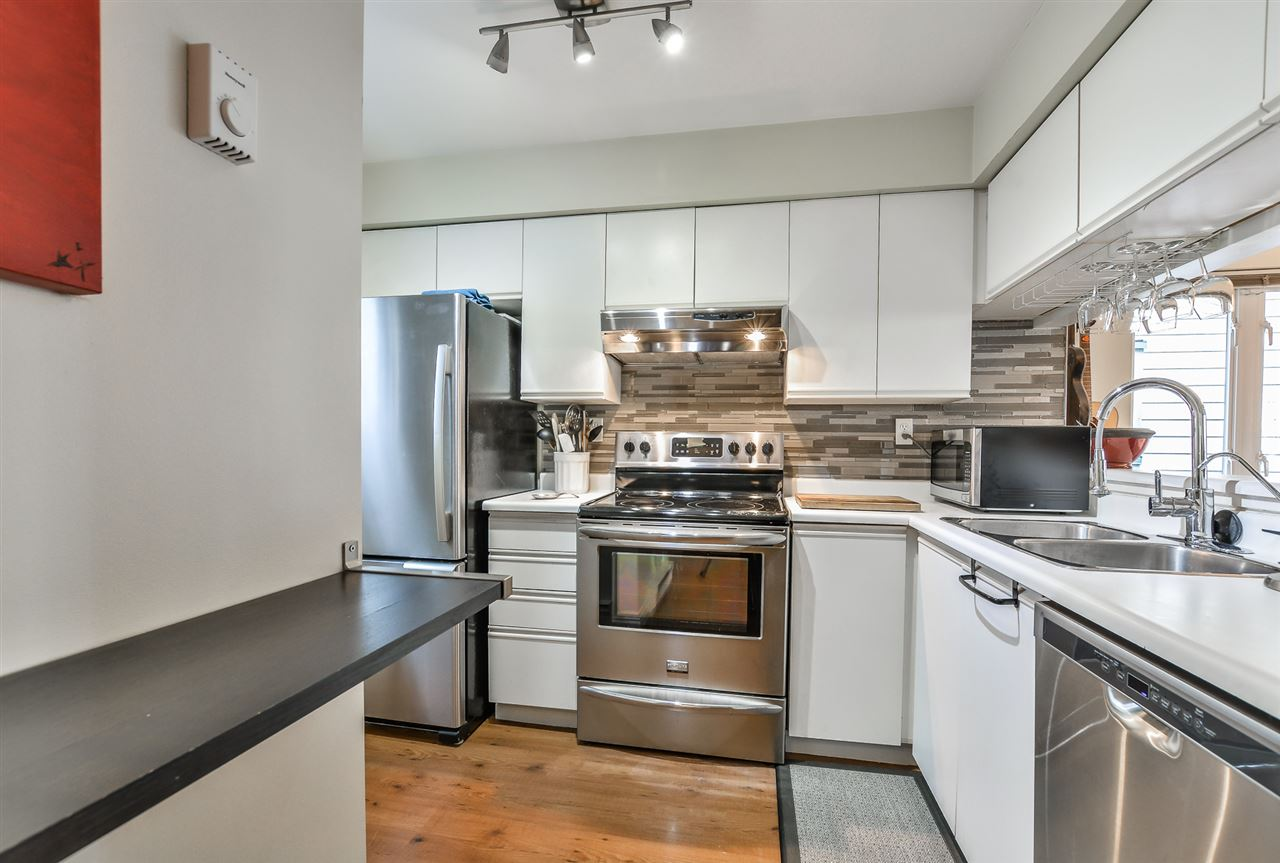 Photo 4: 209 643 W 7TH AVENUE in Vancouver: Fairview VW Condo for sale (Vancouver West)  : MLS(r) # R2142144