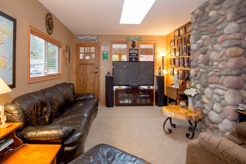 Photo 7: 2139 PARKWAY ROAD in Squamish: Garibaldi Estates House for sale : MLS® # R2119472