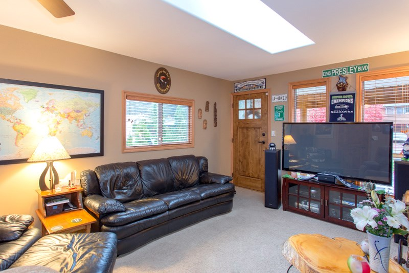 Photo 8: 2139 PARKWAY ROAD in Squamish: Garibaldi Estates House for sale : MLS® # R2119472