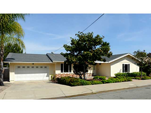 Main Photo: SAN DIEGO House for sale : 3 bedrooms : 5385 Brockbank Place
